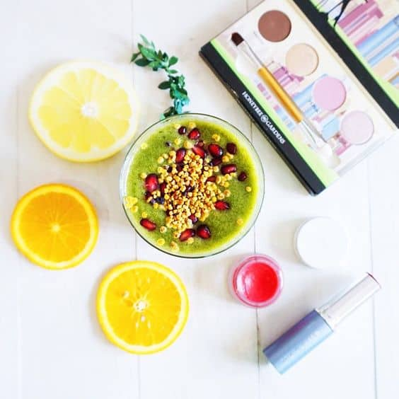 how-to-make-a-healthy-bok-choy-smoothie-lemon-2