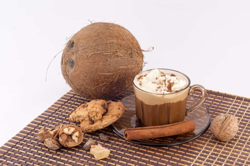 coconut-milk-in-coffee-3