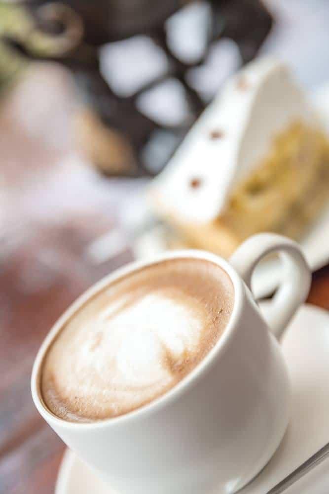 coconut-milk-in-coffee-latte