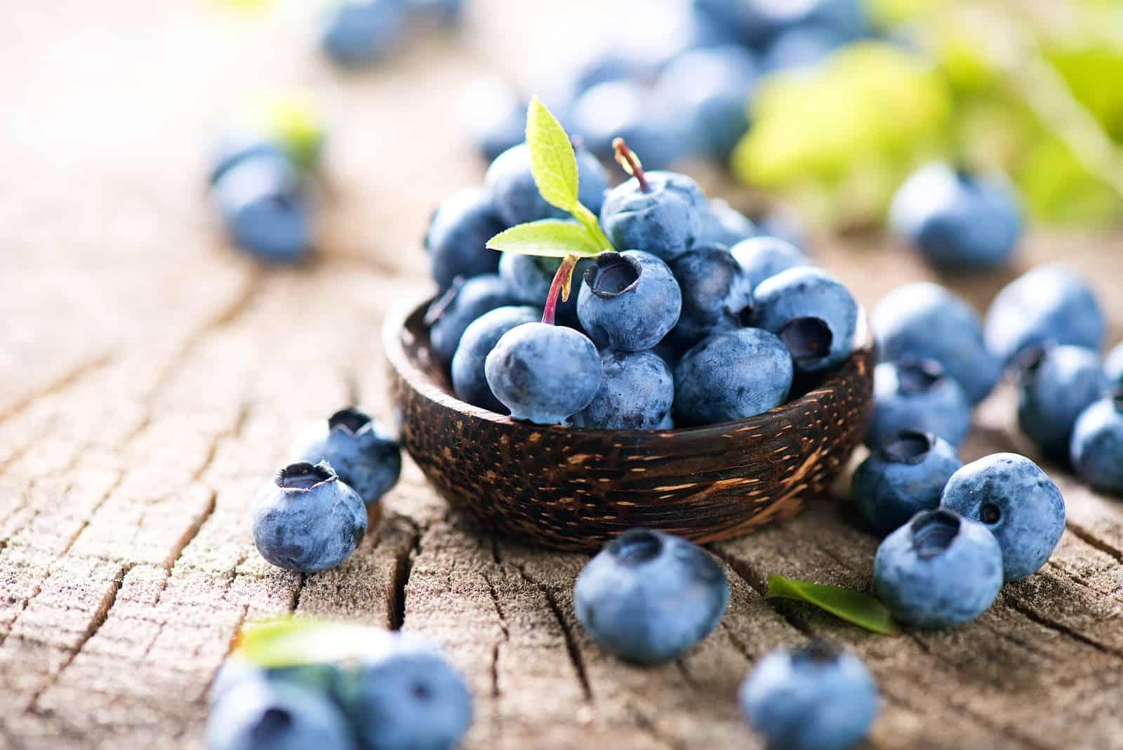 apple orange smoothie blueberries
