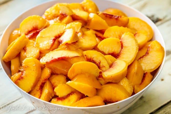 peach-spinach-smoothie-slice